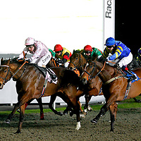 Thane Of Cawdor and Liam Keniry winning the 7.45 race