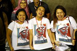 September 19, 2019, Singapore, Singapore: Motorsports: FIA Formula One World Championship 2019, Grand Prix of Singapore, ..Fans of #44 Lewis Hamilton (GBR, Mercedes AMG Petronas Motorsport) (Credit Image: © Hoch Zwei via ZUMA Wire)