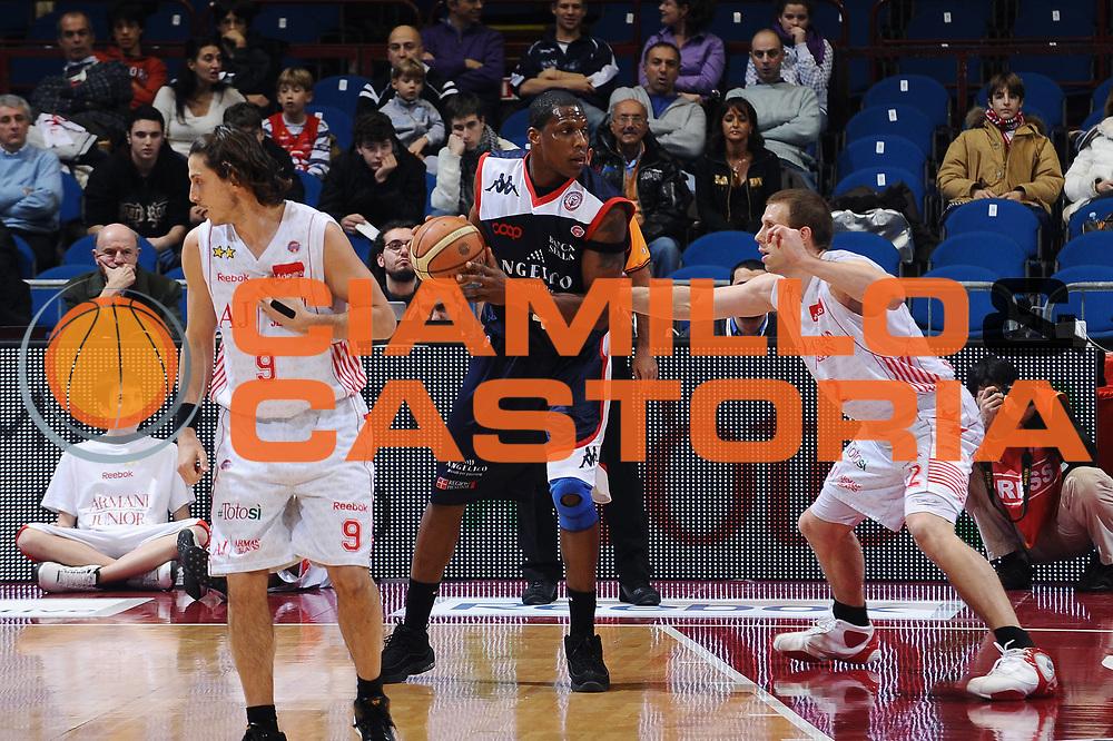 DESCRIZIONE : Milano Lega A 2009-10 Armani Jeans Milano Angelico Biella<br /> GIOCATORE : Pervis Pasco<br /> SQUADRA : Angelico Biella<br /> EVENTO : Campionato Lega A 2009-2010 <br /> GARA : Armani Jeans Milano Angelico Biella <br /> DATA : 10/01/2010<br /> CATEGORIA : Palleggio<br /> SPORT : Pallacanestro <br /> AUTORE : Agenzia Ciamillo-Castoria/A.Dealberto<br /> Galleria : Lega Basket A 2009-2010 <br /> Fotonotizia : Milano Campionato Italiano Lega A 2009-2010 Armani Jeans Milano Angelico Biella<br /> Predefinita :