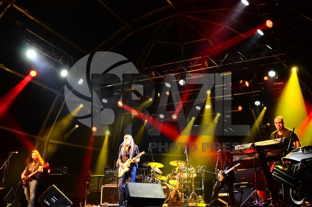 ATENCAO EDITOR: FOTO EMBARGADA PARA VEICULOS INTERNACIONAIS. - RIO DE JANEIRO, RJ,14 DE SETEMBRO 2012 - RIO HARLEY DAYS 2012- Banda Rockstock na abertura do Harley Days 2012, sucesso na Espanha, Franca, Alemanha e Croacia, o evento desembarca para sua segunda edicao no Brasil, na Marina da Gloria, na Gloria, zona sul do Rio de Janeiro.(FOTO: MARCELO FONSECA / BRAZIL PHOTO PRESS).