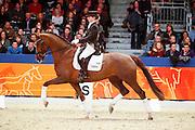 Stephanie de Korte - Zhara Obertje<br /> KWPN Hengstenkeuring 2011<br /> © DigiShots