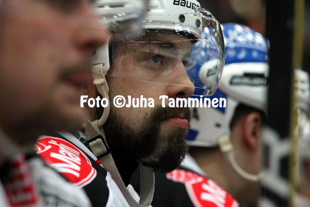 22.04.2010, Patria Areena, H?meenlinna..J??kiekon SM-liiga 2009-10, playoffs 1. loppuottelu HPK - TPS..Marko Virtala - TPS.©Juha Tamminen.
