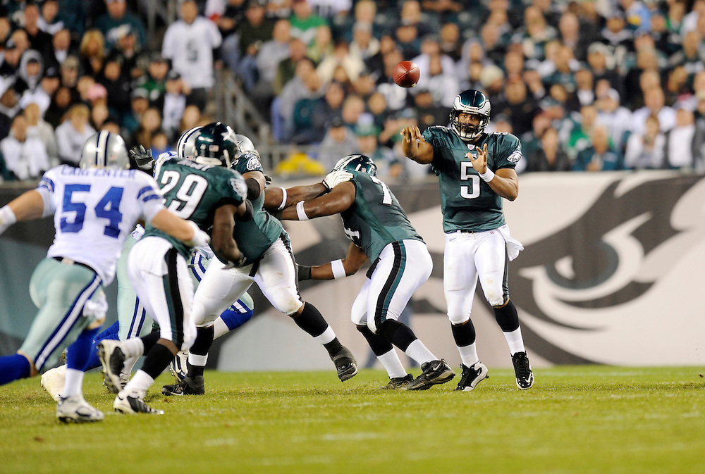 PHILADELPHIA - NOVEMBER 08: Donovan McNabb #5 of the Philadelphia Eagles passes against the Dallas Cowboys during the game at Lincoln Financial Field on November 8, 2009 in Philadelphia, Pennsylvania. The Cowboys defeated the Eagles  20-16. (Photo by Rob Tringali) *** Local Caption *** Donovan McNabb