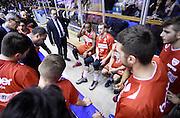 DESCRIZIONE : Reggio Emilia Campionato Lega A 2015-16 Grissin Bon Reggio Emilia Openjobmetis Varese<br /> GIOCATORE : Paolo Moretti<br /> CATEGORIA : Allenatore Coach Time Out Mani<br /> SQUADRA : Openjobmetis Varese<br /> EVENTO : Campionato Lega A 2015-16<br /> GARA : Grissin Bon Reggio Emilia Openjobmetis Varese<br /> DATA : 27/12/2015<br /> SPORT : Pallacanestro <br /> AUTORE : Agenzia Ciamillo-Castoria/A.Giberti<br /> Galleria : Campionato Lega A 2015-16  <br /> Fotonotizia : Reggio Emilia Campionato Lega A 2015-16 Grissin Bon Reggio Emilia Openjobmetis Varese<br /> Predefinita :