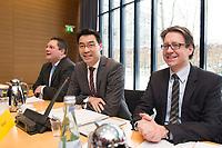 21 JAN 2013, BERLIN/GERMANY:<br /> Patrick Doering, FDP Generalsekretaer, Philipp Roesler, FDP Bundesvorsitzender, und Stefan Birkner, FDP Landesvorsitzender Niedersachsen, (v.L.n.R.), vor Beginn der Sitzung des FDP Bundesvorstandes nach den Landtagswahlen in Niedersachsen, Thomas-Dehler-Haus<br /> IMAGE: 20130121-01-009<br /> KEYWORDS: Philipp R&ouml;sler, Patrik D&ouml;ring