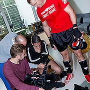 NLD/Amsterdam\/20131025 -Kickboxclinic van Sem Schilt, kijkt Danny Ghosen de opname
