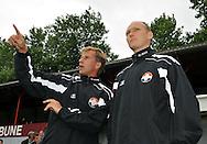 15-07-2008 VOETBAL:CSKA SOFIA - WILLEM II:TILBURG<br /> Andries Jonker overlegt met Raymond de Jong<br /> Foto: Geert van Erven
