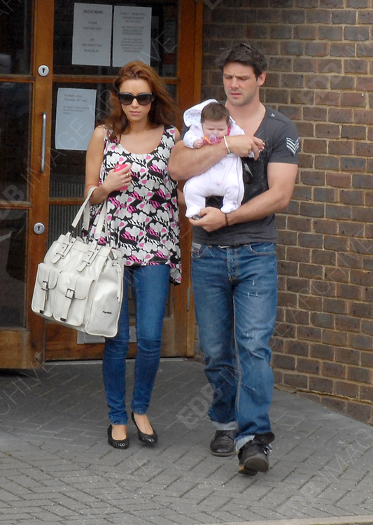 10.MAY.2012. LUTON<br /> <br /> UNA HEALY AND BEN FODEN LEAVE CADDINGTON SURGERY IN LUTON<br /> <br /> BYLINE: EDBIMAGEARCHIVE.COM<br /> <br /> *THIS IMAGE IS STRICTLY FOR UK NEWSPAPERS AND MAGAZINES ONLY*<br /> *FOR WORLD WIDE SALES AND WEB USE PLEASE CONTACT EDBIMAGEARCHIVE - 0208 954 5968*