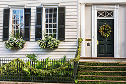 December 21, 2017 - Charleston, South Carolina, United States of America - A historic home decorated with a Christmas wreath on King Street in Charleston, SC. (Credit Image: © Richard Ellis via ZUMA Wire)