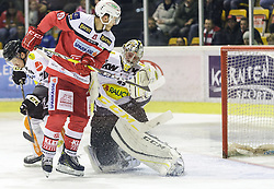 20.11.2016, Stadthalle, Klagenfurt, AUT, EBEL, EC KAC vs Dornbirner Eishockey Club, 21. Runde Grunddurchgang, im Bild Brian Conally (Dornbirner Eishockey Club, #20), Manuel Geier (EC KAC, #21), Florian Hardy (Dornbirner Eishockey Club, #49) // during the Erste Bank Eishockey League 21st match at preliminary round betweeen EC KAC vs Dornbirner Eishockey Club at the City Hall in Klagenfurt, Austria on 2016/11/20. EXPA Pictures © 2016, PhotoCredit: EXPA/ Gert Steinthaler