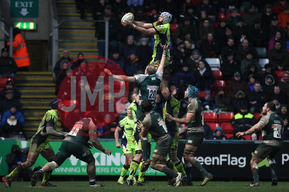 General view of a lineout - Mandatory byline: Jack Phillips/JMP - 06/02/2016 - RUGBY - Welford Road Stadium -Leicester,England - Leicester Tigers v Sale Sharks - Aviva Premiership