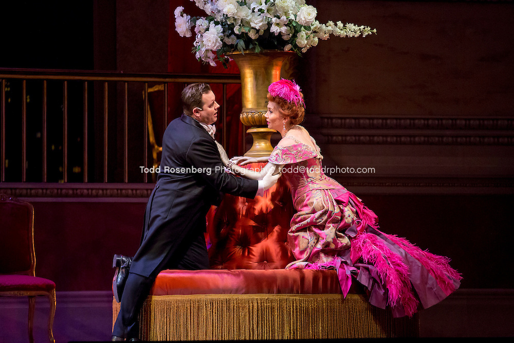 11/11/15 1:36:25 PM -- <br /> The Lyric Opera of Chicago Presents<br /> &quot;The Merry Widow&quot;<br /> Renee Fleming<br /> <br /> &copy; Todd Rosenberg Photography 2015
