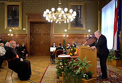 03.02.2012, Rathaus, Wien, AUT, Ueberreichung des Grossen Goldenen Ehrenzeichens fuer Verdienste um das Land Wien mit dem Stern an Erzbischof von Wien, Eminenz Dr. Christoph Kardinal Schönborn durch Landeshauptmann von Wien Michael  Häupl, im Bild vl. Kardinal Dr. Christoph Schoenborn und Buergermeister Michael Haeupl  // during the lending out of the great golden badge of honour for services rendered to the state of vienna to cardinal Dr. Christoph Schoenborn from governor of vienna  Michael Haeupl, Townhall, Vienna, 2012-02-03, EXPA Pictures © 2012, PhotoCredit: EXPA/ M. Gruber