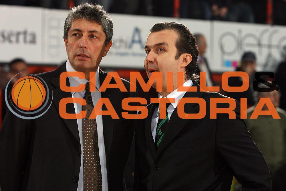 DESCRIZIONE : Caserta Lega A1 2008-09 Eldo Caserta Montepaschi Siena<br /> GIOCATORE : Simone Pianigiani Fabrizio Frates<br /> SQUADRA : Montepaschi Siena Eldo Caserta <br /> EVENTO : Campionato Lega A1 2008-2009 <br /> GARA : Eldo Caserta Montepaschi Siena<br /> DATA : 28/12/2008 <br /> CATEGORIA : ritratto before<br /> SPORT : Pallacanestro <br /> AUTORE : Agenzia Ciamillo-Castoria/E.Castoria