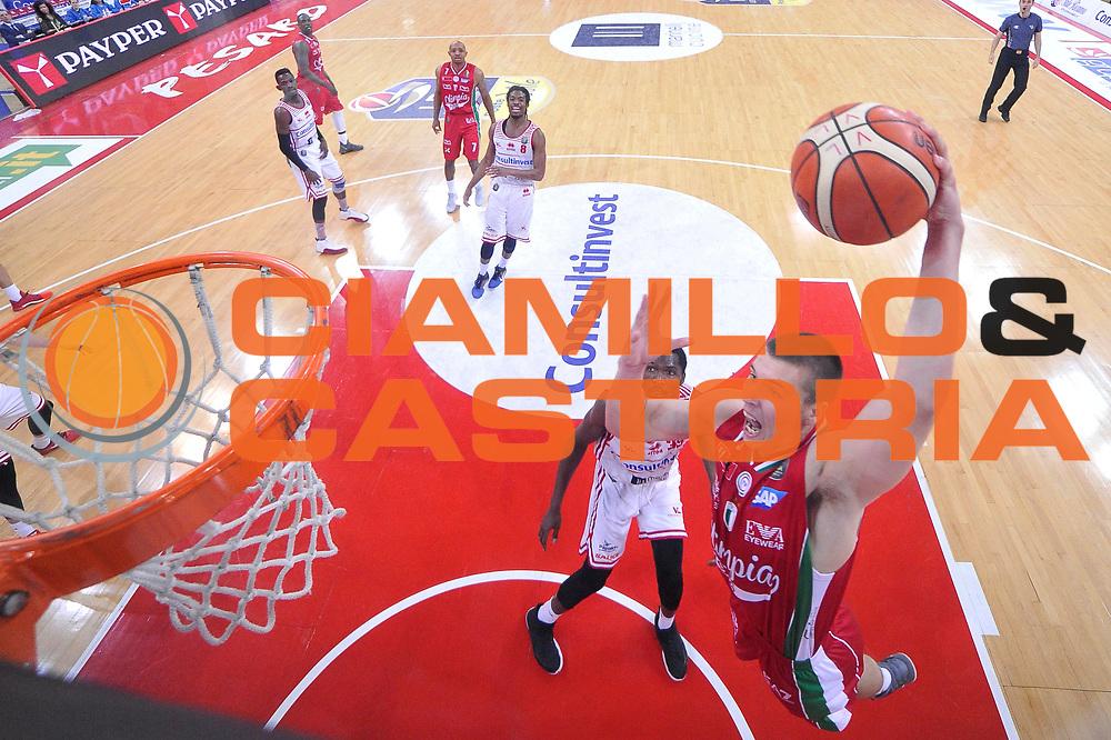 Kaleb Tarczewski<br /> Consultinvest Victoria Libertas Pesaro - EA7 Emporio Armani Olimpia MIlano<br /> Lega Basket Serie A 2016/2017<br /> Pesaro, 30/04/2017<br /> Foto M.Ceretti / Ciamillo - Castoria