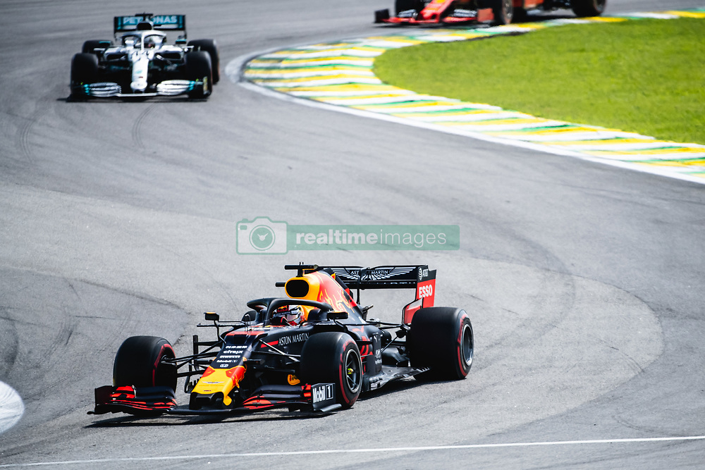 November 17, 2019, SãO Paulo, Brazil: SÃO PAULO, SP - 17.11.2019: GRANDE PRÊMIO DO BRASIL F1 2019 - Max Verstapen (NDL) leads the Brazilian Formula 1 2019 Grand Prix, held at the Interlagos Circuit, in São Paulo, SP. (Credit Image: © Victor EleutéRio/Fotoarena via ZUMA Press)
