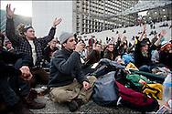 Les indignes Francais se rassemblent sur l'esplanade de la Defense dans l'espoir de construire une nouvelle democratie, les forces de police empechent les manifestants d'utiliser des banderoles ainsi que de camper sur place la nuit. A la Defense le 5 novembre 2011. ©Benjamin Girette / IP3Press
