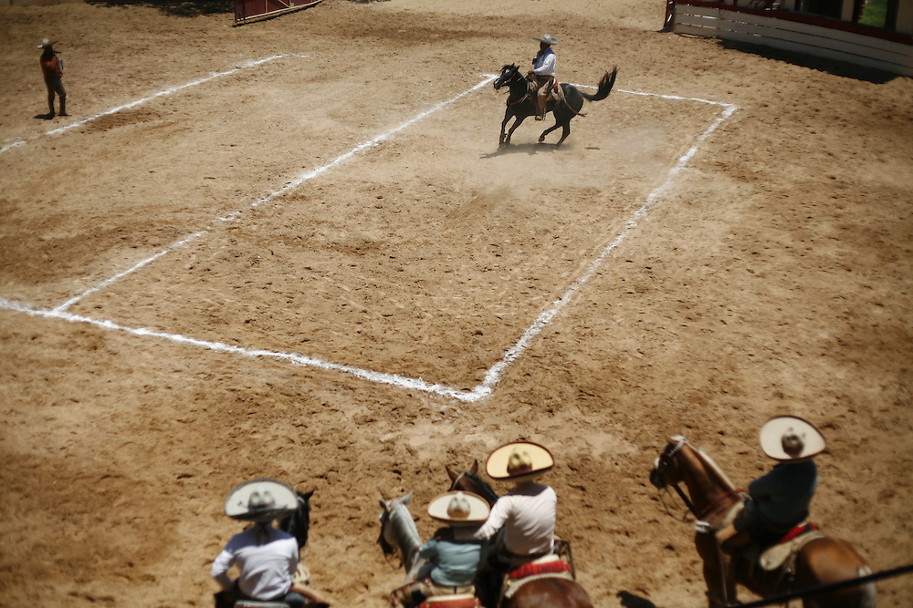 The Cala de Caballo demonstrates a charro's control over his horse. From a full gallop a charro brings his horse to a sliding stop.  In another exercise, a charro spins the horse 360-degrees keeping the back-right foot in place.