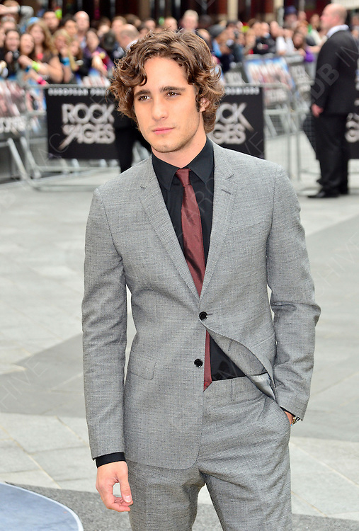 10.JUNE.2012. LONDON<br /> <br /> DIEGO BONETA ATTENDS THE UK FILM PREMIERE OF ROCK OF AGES AT THE ODEON CINEMA IN LEICESTER SQUARE.<br /> <br /> BYLINE: JO ALVAREZ/EDBIMAGEARCHIVE.CO.UK<br /> <br /> *THIS IMAGE IS STRICTLY FOR UK NEWSPAPERS AND MAGAZINES ONLY*<br /> *FOR WORLD WIDE SALES AND WEB USE PLEASE CONTACT EDBIMAGEARCHIVE - 0208 954 5968*