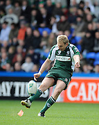 Reading, GREAT BRITAIN, Exiles, Peter HEWAT, breaking with the ball through midfield, during the Heineken, Quarter Final, Cup rugby match,  London Irish vs Perpignan, at the Madejski Stadium on Sat 05.04.2008 [Photo, Peter Spurrier/Intersport-images]