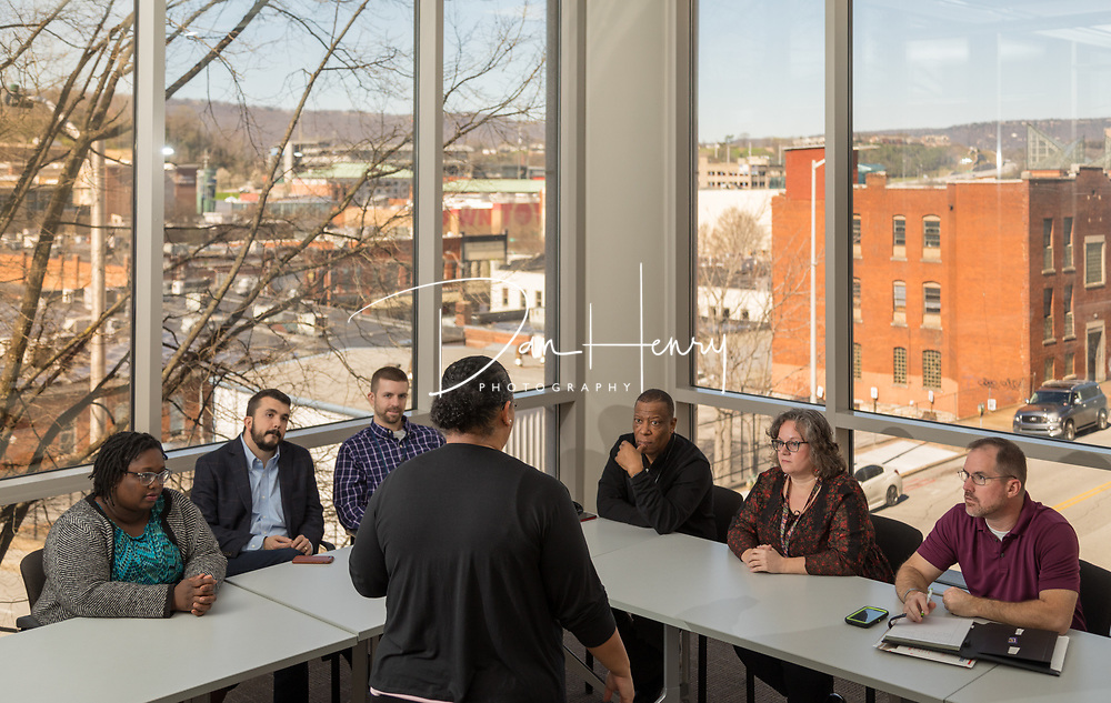 Pipan Wilson, UNUM&rsquo;s lead disability specialist and client liaison, leads a meeting of veteran employees at the Chattanooga, Tennessee campus. <br /> Photo by Dan Henry / DanHenryPhotography.com
