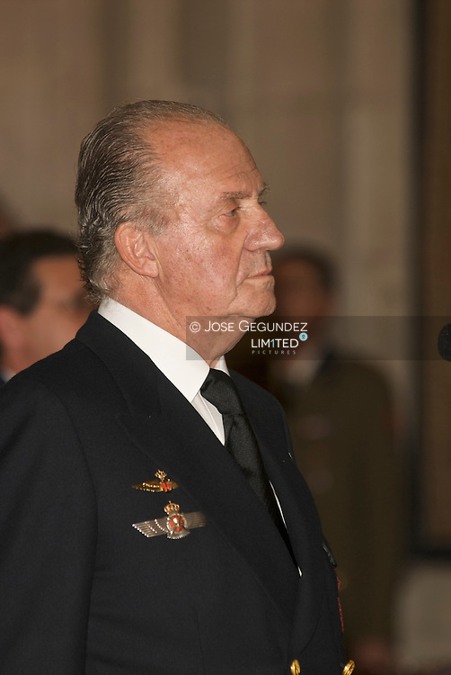 Madrid. Palacio Real (14/05/2008). Palabras y minuto de silencio de S.M. el Rey D. Juan Carlos I ante el atentado terrorista en Legutiano (Alava).