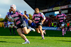 Stade Francais Hooker (#2) Pierre Rabadan crosses to score a try early in the first half - Photo mandatory by-line: Rogan Thomson/JMP - Tel: Mobile: 07966 386802 13/10/2012 - SPORT - RUGBY - Kassam Stadium - Oxford. London Welsh v Stade Francais - European Challenge Cup