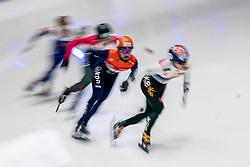 08-10-2017 NED: ISU Shorttrack WC2017, Dordrecht<br /> Finale 1000m / Sjinkie Knegt heeft op de slotdag van de wereldbekerstrijd in Dordrecht goud gewonnen op de 1.000 meter.