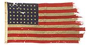 Amerikaanse D-Day vlag in Nationaal Militair Museum.<br /> <br /> President Trump komt mogelijk naar Nederland, zegt de Amerikaanse ambassadeur in Nederland Pete Hoekstra. Aanleiding is niet een belangrijke conferentie of overleg met premier Rutte, maar een vlag. De Nederlandse eigenaar wil de vlag schenken aan de president, omdat hij vindt dat het doek in de Verenigde Staten thuishoort.<br /> <br /> American D-Day flag in National Military Museum.<br /> <br /> President Trump may come to the Netherlands, says the American ambassador in the Netherlands Pete Hoekstra. The reason is not an important conference or consultation with Prime Minister Rutte, but a flag. The Dutch owner wants to give the flag to the president, because he thinks that the cloth belongs in the United States.