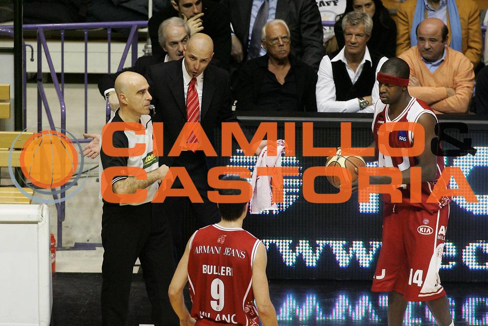 DESCRIZIONE : Associazione Italiana Arbitri Pallacanestro 18 Giornata Lega A1 2005-06 <br /> GIOCATORE : Djordjevic Arbitro <br /> SQUADRA : Armani Jeans Milano <br /> EVENTO : Campionato Lega A1 2005-2006 <br /> GARA : VidiVici Virtus Bologna Armani Jeans Milano <br /> DATA : 29/01/2006 <br /> CATEGORIA : Delusione <br /> SPORT : Pallacanestro <br /> AUTORE : Agenzia Ciamillo-Castoria/G.Ciamillo <br /> Galleria : Aiap 2005-2006 <br /> Fotonotizia : Associazione Italiana Arbitri Pallacanestro 18 Giornata Campionato Italiano Lega A1 2005-2006 <br /> Predefinita :