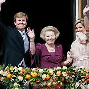 NLD/Amsterdam/20130430 - Inhuldiging Koning Willem - Alexander, balkonscene, Koing Willem - Alexander, prinses Beatrix en Koninging Maxima