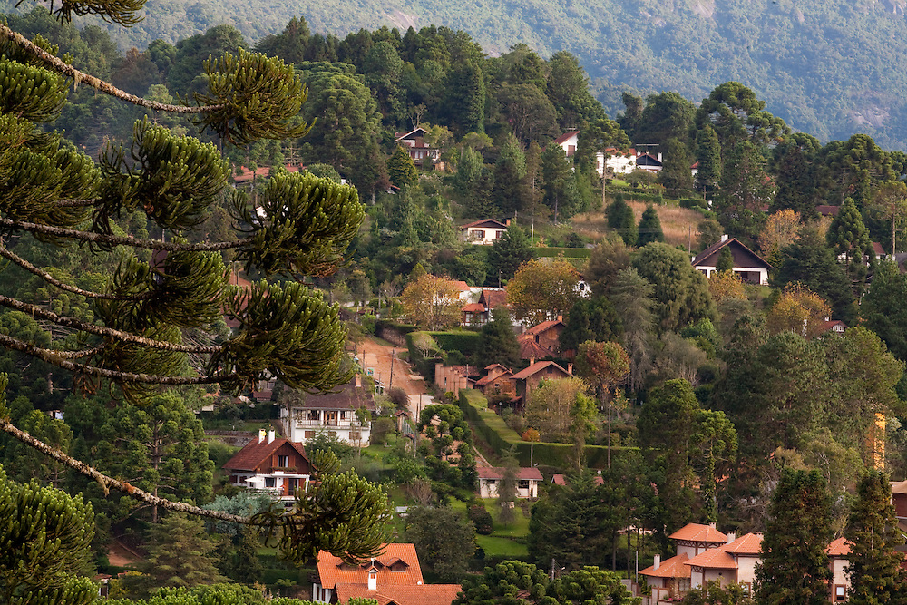 Camanducaia_MG, Brasil...Paisagem com casas de luxo em Monte Verde...The landscape with luxury houses in Monte Verde...Foto: LEO DRUMOND / NITRO