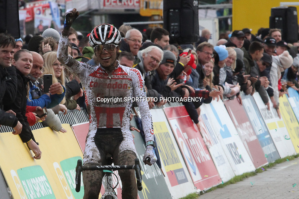 03-11-2019: Wielrennen: Superprestige Veldrijden: Ruddervoorde<br /> Ceylin del Carmen Alvardo wins the 3th race Superprestige at Ruddervoorde