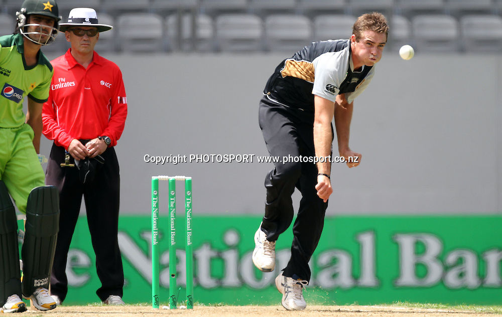 New Zealand bolwer Tim Southee bowling. Twenty20 International Cricket match between The New Zealand Black Caps and Pakistan at Eden Park on Boxing Day, Sunday 26 December 2010. Photo: Andrew Cornaga/photosport.co.nz