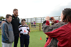 Darren Barry interacts with children at the Community Kid Zone - Mandatory by-line: Dougie Allward/JMP - 22/10/2016 - RUGBY - Sixways Stadium - Worcester, England - Worcester Warriors v Brive - European Challenge Cup