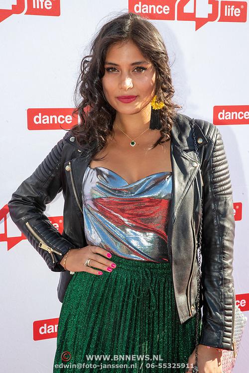 NLD/Amsterdam/20190705 - inloop Dance4Life Benefietgala 2019, fotomodel Yasmine Verheijen