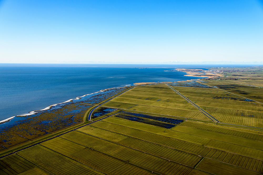 Nederland, Friesland, Gemeente Sudwest-Fryslan, 28-02-2016; <br /> Ten noordwesten van Workum, Polder Geele Strand en grenzend aan het IJsselmeer het natuurreservaat de Workumerwaard.<br /> Polder near the IJssel lake (IJsselmeer).<br /> luchtfoto (toeslag op standard tarieven);<br /> aerial photo (additional fee required);<br /> copyright foto/photo Siebe Swart