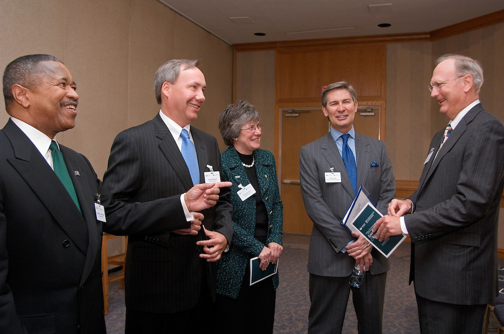 17601Scripps Howard Foundation Announcement of 15 million dollar gift to the College of Communication at the Westin in Cincinnati 4/4/06..Dr. Roderick J. McDavis, president of Ohio University..Dr. Gregory J. Shepherd, Dean of the College of Communication..Dr. Kathy Krendl, provost of Ohio University..Mr. Kenneth W. Lowe, president and CEO of The E.W. Scripps Company...Mr. Alan Horton, Chairman of the board of the Scripps Howard Foundation and retired senior vice president/newspapers of The E.W. Scripps Company