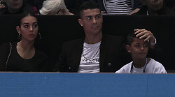 2018?11?12?.    ?????1???——?·??????ATP?????.      11?12????????·??????????????????.      ???????????2018ATP????????????????????????????2?0???????????.       ????????.(SP)BRITAIN-LONDON-TENNIS-ATP WORLD TOUR FINALS-DAY 2-CRISTIANO RONALDO .(181112) -- LONDON, Nov. 12, 2018  Cristiano Ronaldo (C), his girlfriend Georgina Rodríguez and son Cristiano Ronaldo Jr. watch on during the single's match between John Isner of the United States and Novak Djokovic of Serbia during Day Two of the 2018 ATP World Tour Finals at the O2 Arena in London, Britain on Nov. 12, 2018. (Credit Image: © Xinhua via ZUMA Wire)