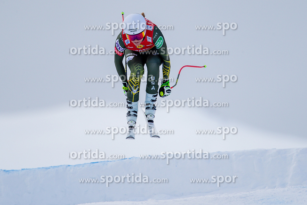 11.01.2020, Keelberloch Rennstrecke, Altenmark, AUT, FIS Weltcup Ski Alpin, Abfahrt, Damen, im Bild Alice Mckennis (USA) // Alice Mckennis of the USA in action during her run for the women's Downhill of FIS ski alpine world cup at the Keelberloch Rennstrecke in Altenmark, Austria on 2020/01/11. EXPA Pictures © 2020, PhotoCredit: EXPA/ Johann Groder