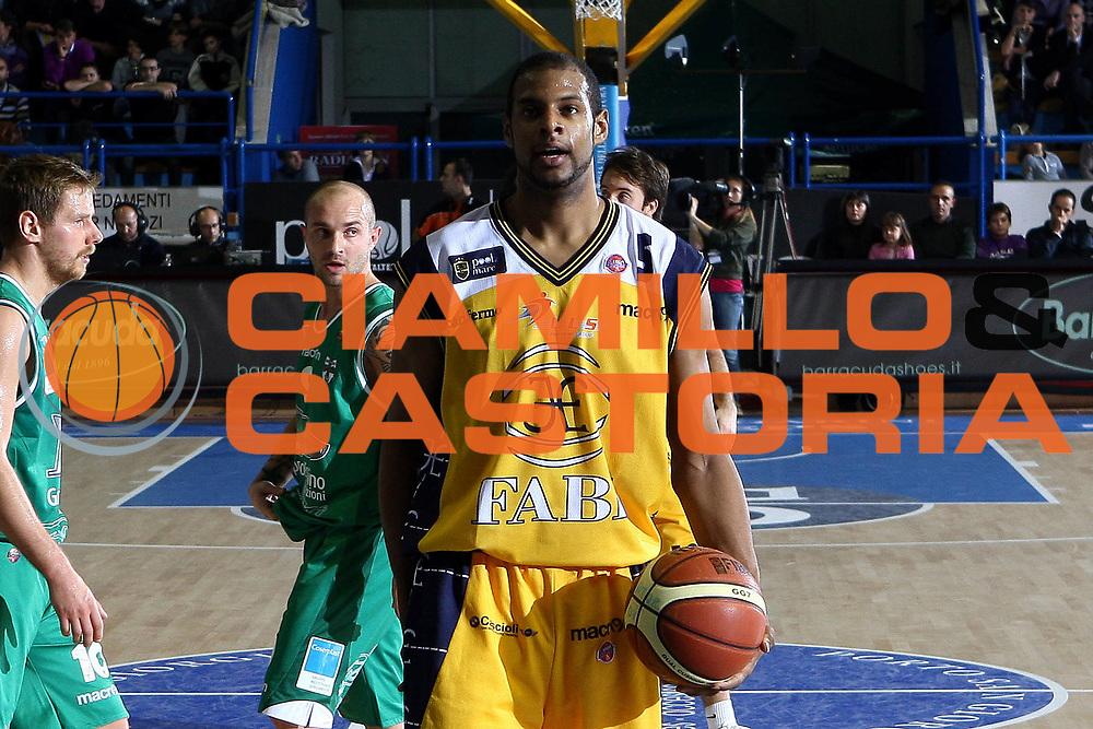 DESCRIZIONE : Porto San Giorgio Lega A 2010-11 Fabi Montegranaro Air Avellino <br /> GIOCATORE : Sharrod Ford<br /> SQUADRA : Fabi Montegranaro<br /> EVENTO : Campionato Lega A 2010-2011<br /> GARA : Fabi Montegranaro Air Avellino<br /> DATA : 14/11/2010<br /> CATEGORIA : ritratto<br /> SPORT : Pallacanestro<br /> AUTORE : Agenzia Ciamillo-Castoria/C.De Massis<br /> Galleria : Lega Basket A 2010-2011<br /> Fotonotizia : Porto San Giorgio Lega A 2010-11 Fabi Montegranaro Air Avellino <br /> Predefinita :