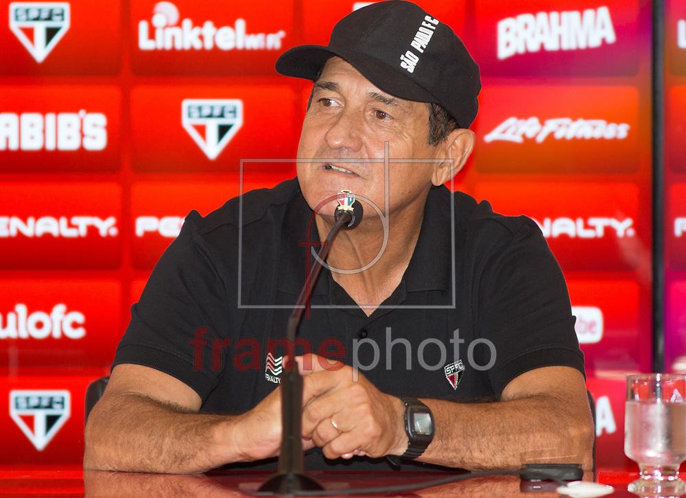 SP/COLETIVA/MURICY/CT BARRA FUNDA/ESPORTE - O tecnico do São Paulo FC tecnico Muricy Ramalho concedeu coletiva a imprensa na tarde desta sexta-feira (06) no CT da Barra Funda zona Oeste de São Paulo -  FOTO MARCELO D'SANTS/FRAME
