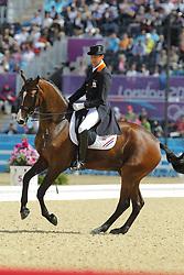 Meer, Patrick van der, Uzzo<br /> London - Olympische Spiele 2012<br /> <br /> Dressur Grand Prix de Dressage<br /> © www.sportfotos-lafrentz.de/Stefan Lafrentz