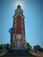 Torre Monumental (monument tower) during a morning walk in Buenos Aires. Images taken with a Leica V-Lux 20 camera (ISO 125, 4.1 mm, f/5. 1/500 sec)