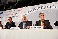 """25 NOV 2010, BERLIN/GERMANY:<br /> Dr. Josef Ackermann, Vorstandsvorsitzender Deutsche Bank AG, Dr. Juergen Strube, Aufsichtsratsvorsitzender BASF, Dr. Juergen Hambrecht, Vorstandsvorsitzender BASF SE, (v.R.n.L.), Pressegespraech """"Leitbild fuer verantwortliches Handeln in der Wirtschaft"""", Clubraum, Akademie der Kuenste<br /> IMAGE: 20101125-01-065<br /> KEYWORDS: Jürgen Hambrecht"""