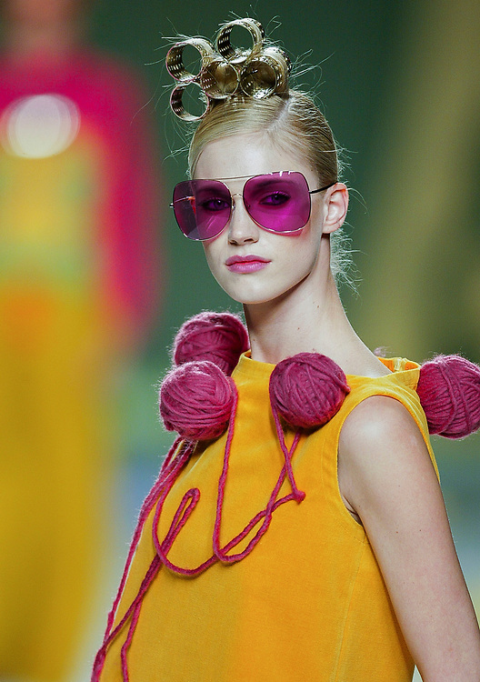 A model presents a creation by Agatha Ruiz de la Prada during the Pasarela Cibeles fashion show 2005, February 15, 2005 in Madrid. Photo by Victor Fraile / studioEAST
