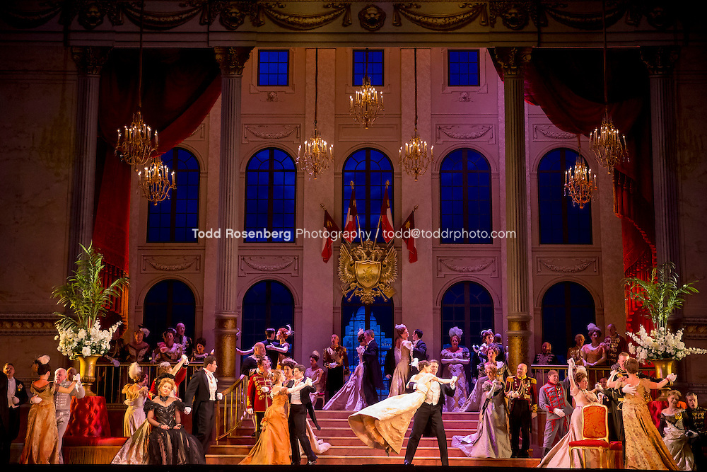 11/11/15 1:44:50 PM -- <br /> The Lyric Opera of Chicago Presents<br /> &quot;The Merry Widow&quot;<br /> Renee Fleming<br /> <br /> &copy; Todd Rosenberg Photography 2015