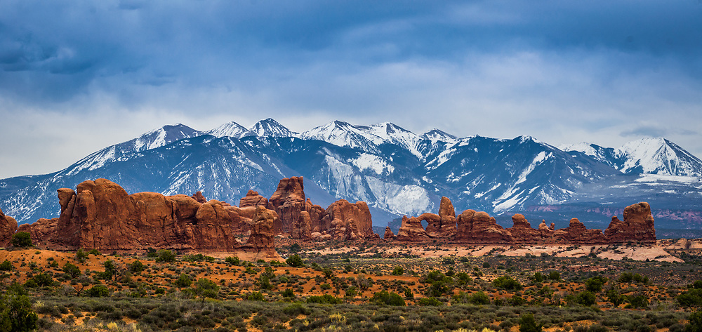 Turret Arch, The Windows, La Sal Mountains, Arches National Park, Utah, winter.<br /> <br /> Camera <br /> NIKON D610<br /> Lens <br /> 70.0-200.0 mm f/4.0<br /> Focal Length <br /> 145<br /> Shutter Speed <br /> 1/320<br /> Aperture <br /> 8<br /> ISO <br /> 280