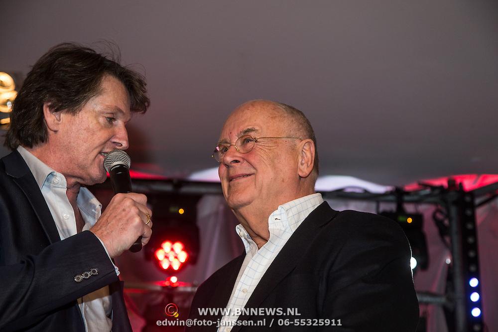 NLD/Hilversum/20150102 - Top40 viert 50 jarig bestaan, Erik de Zwart en Willem van Kooten