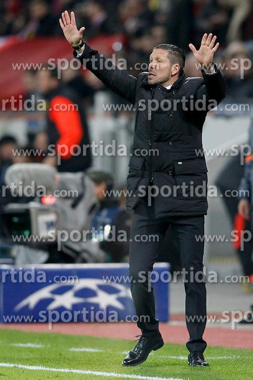 25.02.2015, BayArena, Leverkusen, GER, UEFA EL, Bayer 04 Leverkusen vs Atletico Madrid, 1. Runde, R&uuml;ckspiel, im Bild Trainer Diego Simeone (Atletico Madrid) // during the UEFA Europa League 1st Round, 2nd Leg match between Bayer 04 Leverkusen and Atletico Madrid at the BayArena in Leverkusen, Germany on 2015/02/25. EXPA Pictures &copy; 2015, PhotoCredit: EXPA/ Eibner-Pressefoto/ Schueler<br /> <br /> *****ATTENTION - OUT of GER*****